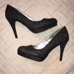 Beautiful Sparkly Heels!